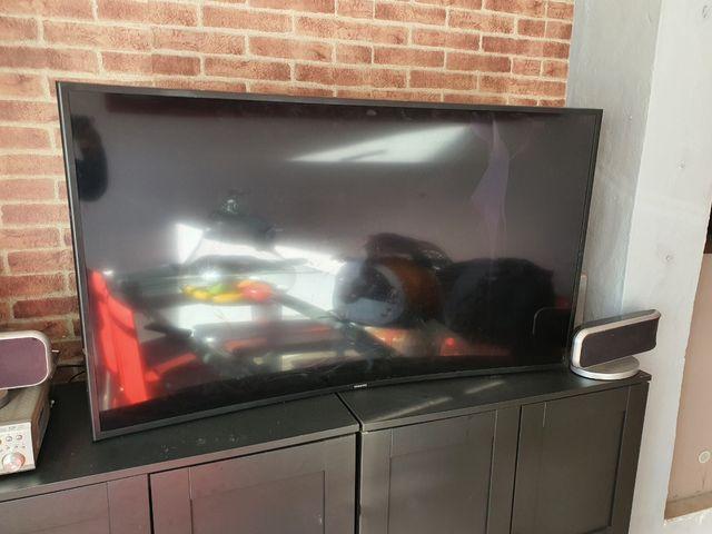 televisión curve Samsung de 50 pulgadas