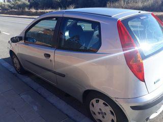 Pequeño Fiat Punto