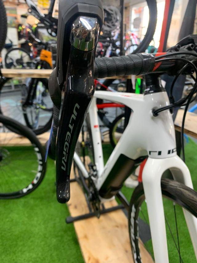 Bicicleta Cube Electrica Carretera