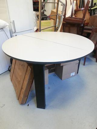 Mesa redonda color crema/ color madera oscura