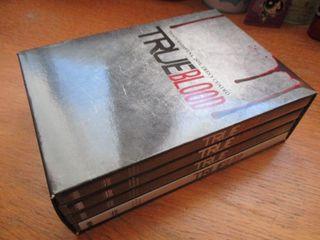Serie True Blood Temp. 1, 2, 3, 4 (DVD)
