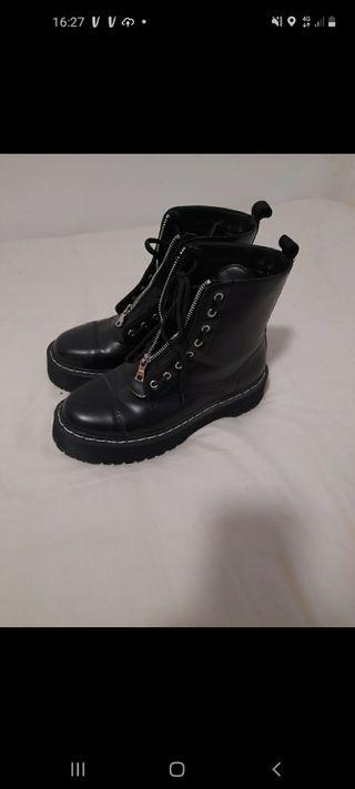 bota negra 38