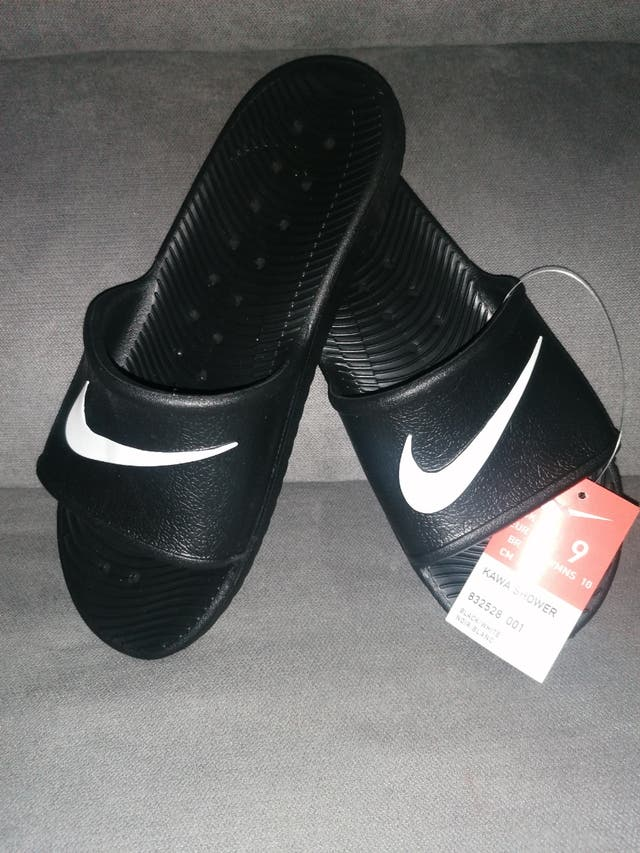 zapatillas, chanclas nike n°42,5. originales.
