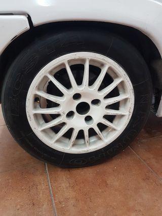 Llantas OZ Racing con neumáticos Kumho