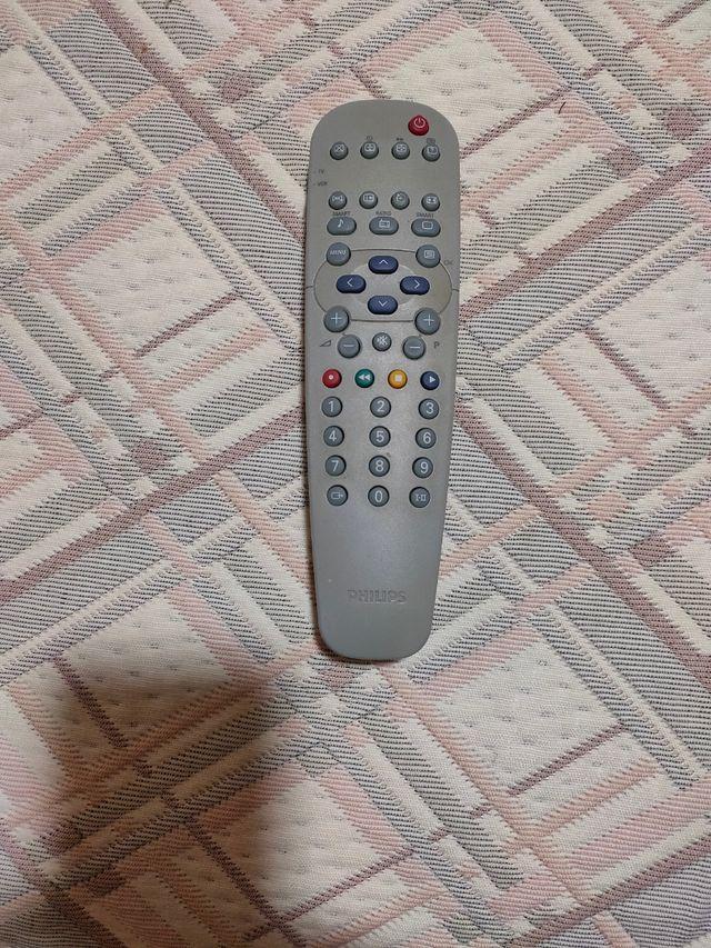 """TV 32"""" PHILIPS con culo"""