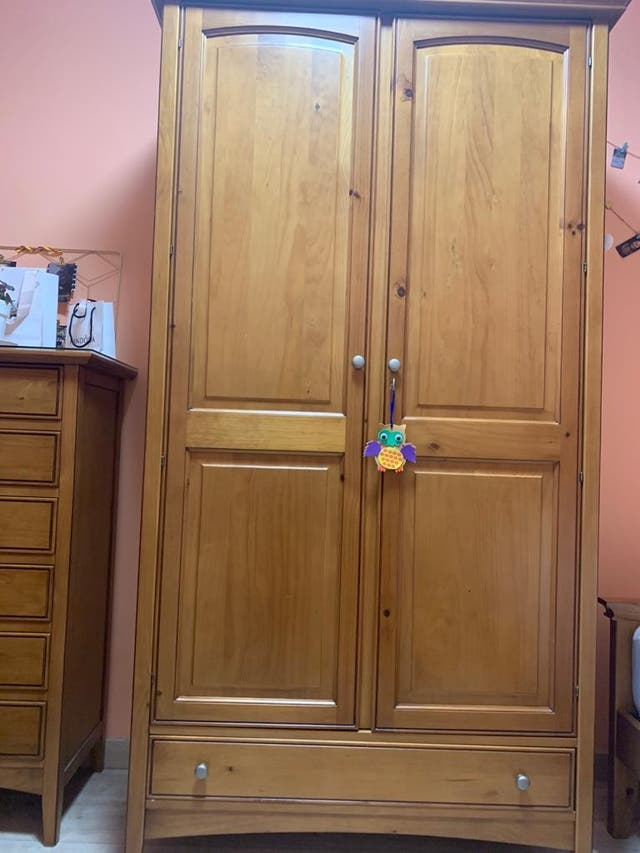 dormitorio madera.URGE !!