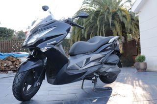 Kawasaki J300 del 2014 impecable