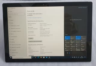 Surface Pro 4 con CPU I5, RAM 4Gb, SSD 128Gb