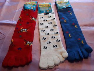 Calcetines altos con dedos