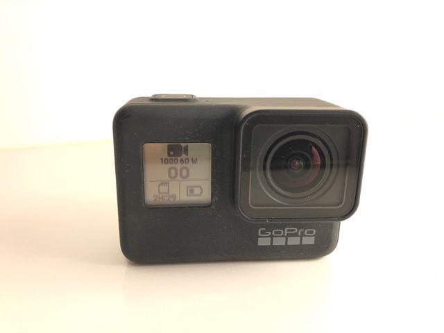 GoPro Hero 7 Black + Carcasa Submarina + Mando