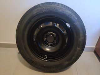 1 llanta con neumático Bridgestone