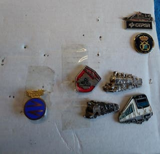 insignias pin