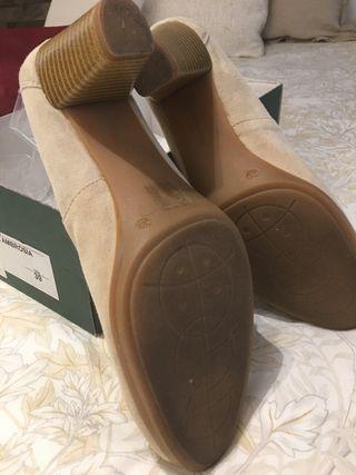 Zapatos ante nudé