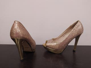 Zapato color oro