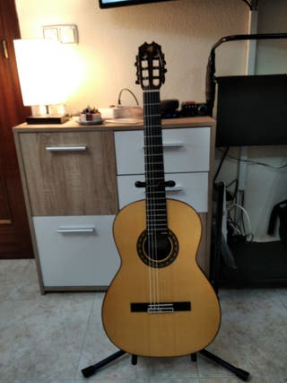 Guitarra flamenca negra