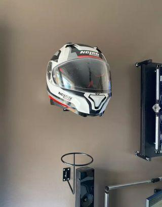 soporte casco moto