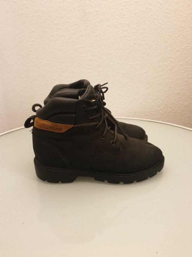 Zapatos Timberland negros talla 31 y 32