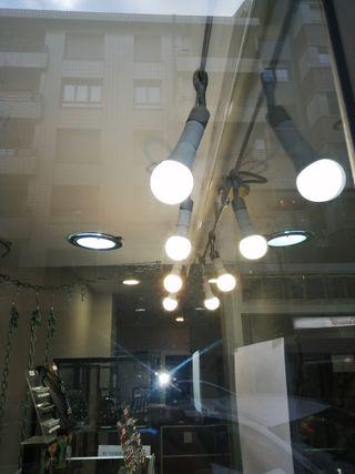 Sistema de iluminación para escaparate o vivienda