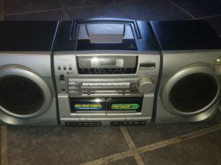 Radio cassete CD, reproductor multimedia aiwa