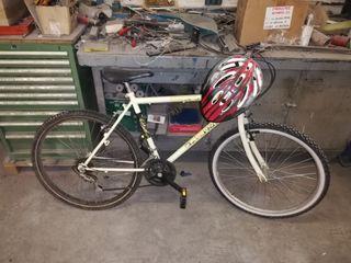 bici montaña muy antigua y basica