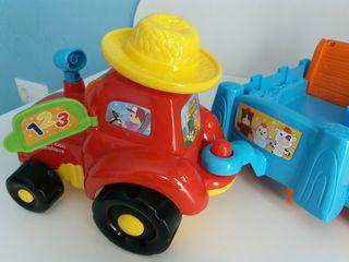 Juguete Tractor con remolque Vtech