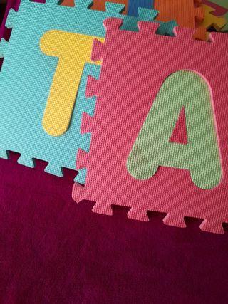 alfombra abecedario