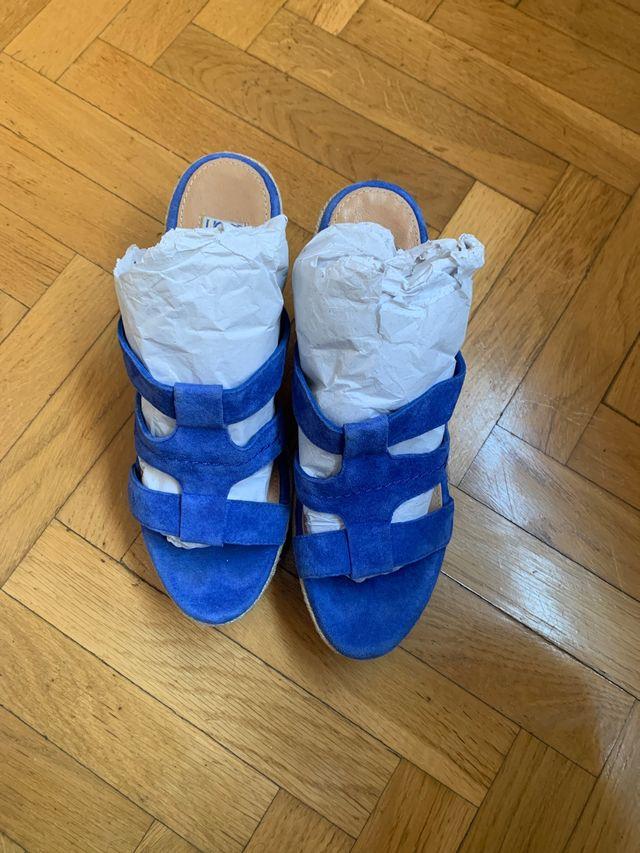 Sandalias cuña esparto azul UGG talla 39