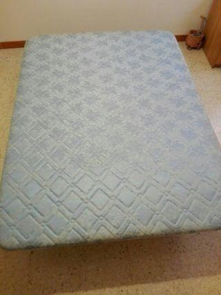 Base tapizada colchón matrimonio