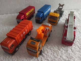 Lote 6 camiones metal y plástico