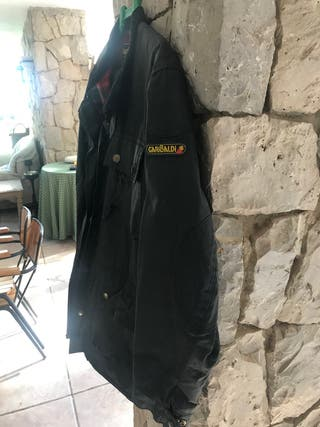 Garibaldi. chaqueta y pantalón.
