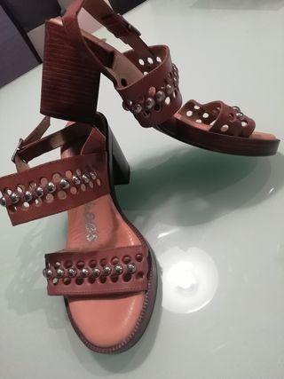 Sandalias tacón de piel super cómodas