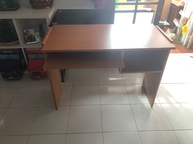 Vendo escritorio madera
