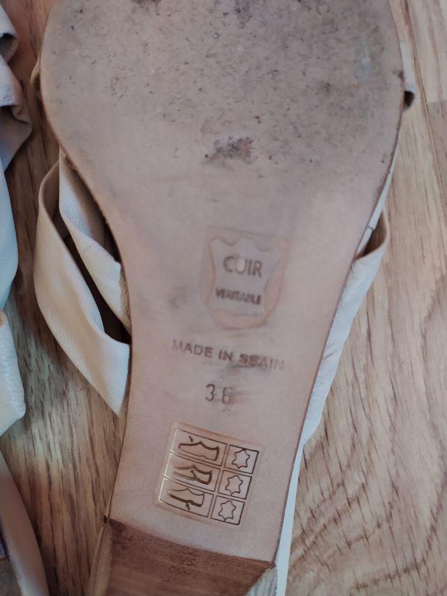 Zapatos de tacón beige 36