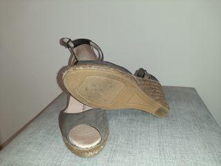 Sandalia con suela de esparto