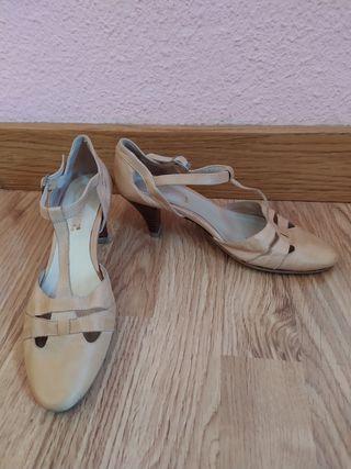 Zapatos beige 35