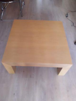 Mesa baja salón madera maciza