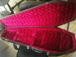 Maleta guitarra Coffin Case.