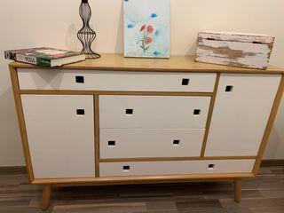 Mueble cómoda de madera