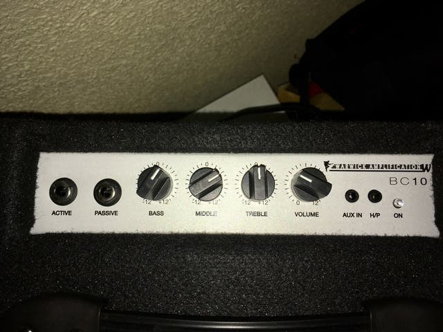 Amplificador Bajo WARWICK BC 10 - 10 Watt