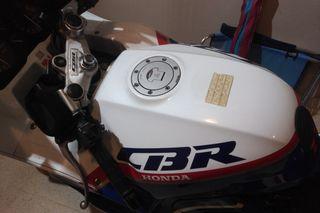 CBR 1000F