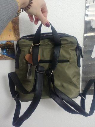 mochila impermeable nueva