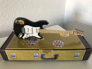 Preciosa guitarra eléctrica ERIC CLAPTON