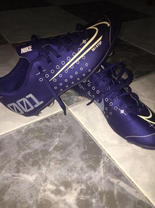 Archivo montículo Perdido  Botas de fútbol Nike Mercurial de segunda mano en Málaga en WALLAPOP