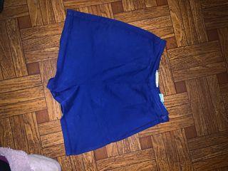 Pantalón corto alto azul de Zara
