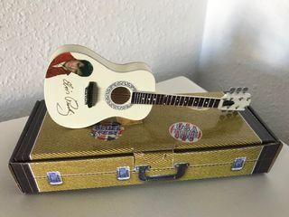 Preciosa guitarra española ELVIS PRESLEY