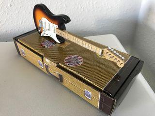 Preciosa guitarra eléctrica FENDER BUDDY HOLLY