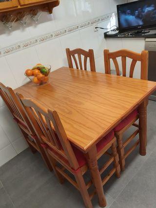 mesa madera cocina/comedor + 4 sillas
