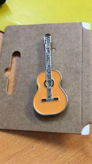 Pin guitarra flamenca (grupo de 3)
