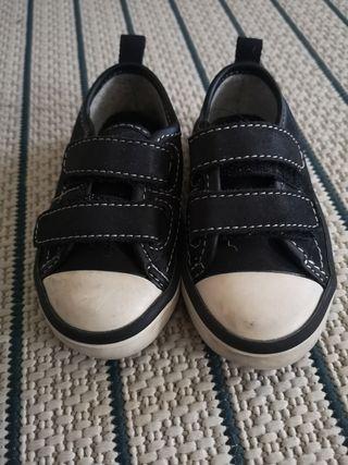 Bambas con velcro para bebé talla 20