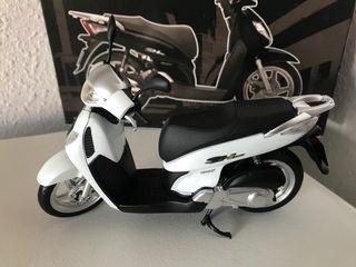 Preciosa motocicleta de coleccion HONDA 125 SHi